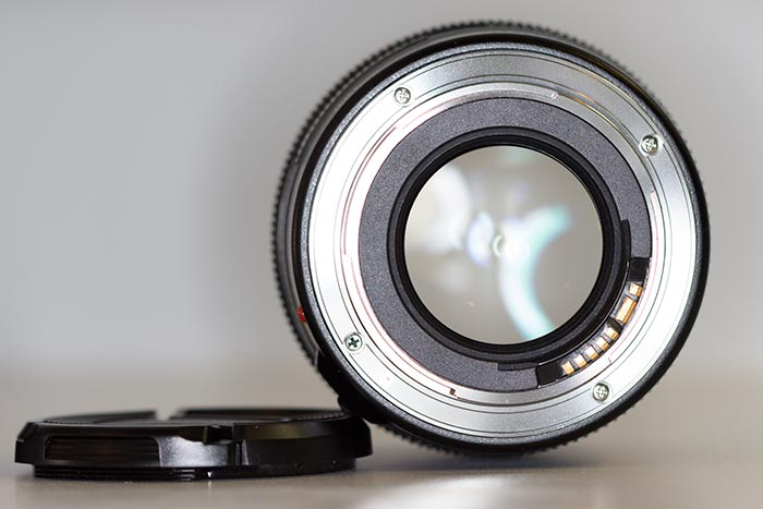 YN100mm f/2 Canon - Rear
