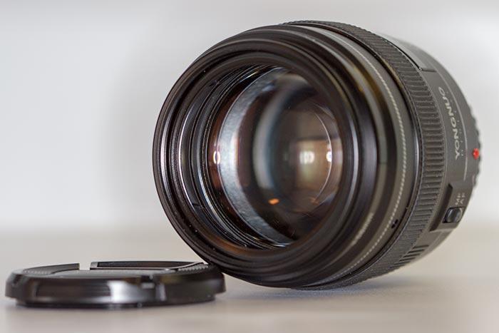 YN100mm f/2 Canon - Front